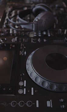 Rent turntables, speakers, and amplifiers for DJ sets in Denver